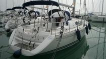 Vitolrás és yacht kereskedő és közvetítő